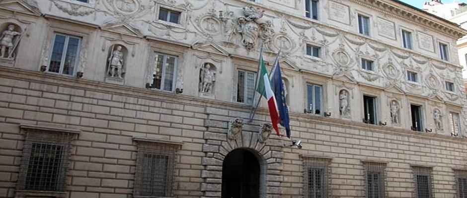 Concorso DS: il Consiglio di Stato accoglie la richiesta di sospensiva, la procedura continua